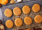 Ciasteczka dyniowe to jesienny must-bake. Jak je zrobić? Mamy trzy fantastyczne przepisy