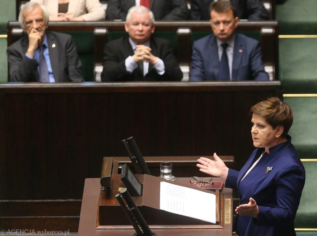Premier Beata Szydło przemawia w Sejmie ws. komunikatu KE