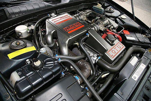 Silnik R6 miał dwa turbodoładowania