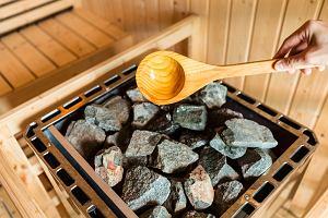 Sauna fińska - zalety, przeciwwskazania. Jak korzystać z sauny fińskiej