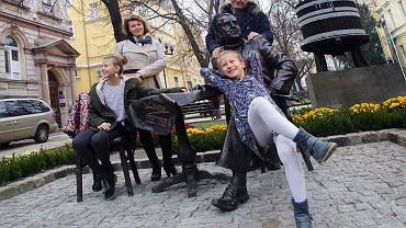 Odsłoniecie rzezby Klema Felchnerowskiego na deptaku