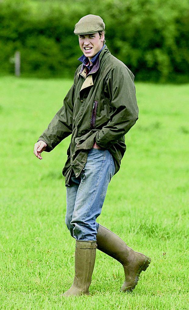 Książę William w zielonych hunterach.