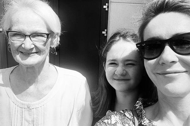 Smutne informacje obiegły media w czwartek po południu. Po wielu latach zmagań z chorobą zmarła mama Małgorzaty Ohme, pani Barbara Sułowska.