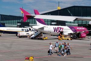 Tanie linie mieszają w rozkładach lotów z Polski. Znowu zniknie kilka tras