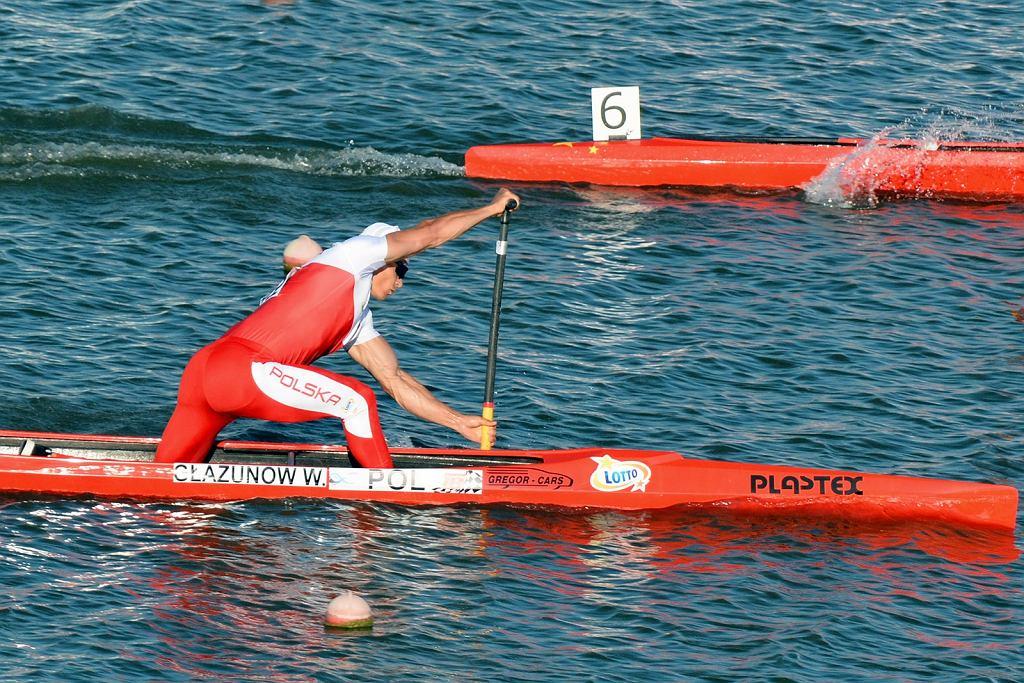 Kanadyjkarz Wiktor Głazunow podczas zawodów Pucharu Świata w Szeged