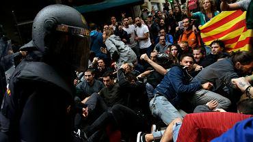 1.10.2017 r,, Barcelona. Interwencja hiszpańskiej policji
