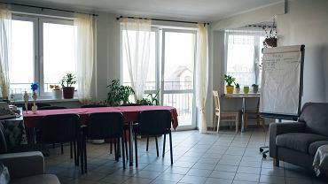 Zespół Mieszkań Wspomaganych 'Nasz Dom', w których mieszkają osoby z niepełnosprawnością intelektualną