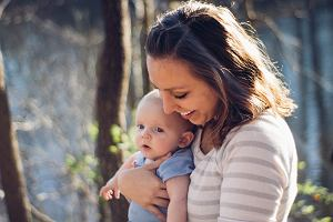 Wakacje z małym dzieckiem: praktyczne gadżety i akcesoria przydatne w podróży