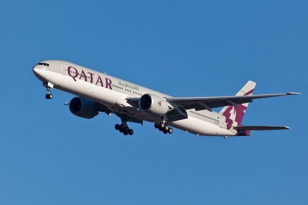 Polacy nie potrafią się zachować na pokładzie samolotów linii Qatar Airways - oficjalne ostrzeżenie w tej sprawie wydała niedawno ambasada Polski w Katarze