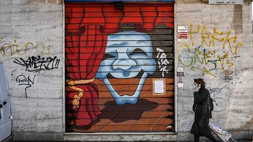 11.03.2020, Mediolan, zamknięty sklep z kostiumami teatralnymi.