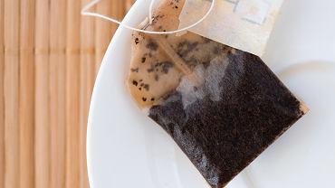 Nie wyrzucaj torebki po herbacie. Świetny trik, który cię zachwyci