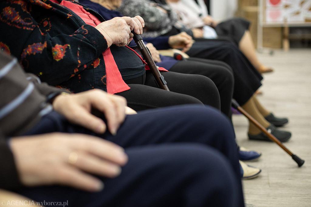 W poznańskich domach pomocy społecznej mieszkańcy jedzą za 16,80 dziennie. W tej stawce jest jeszcze zysk firmy cateringowej (zdjęcie ilustracyjne)