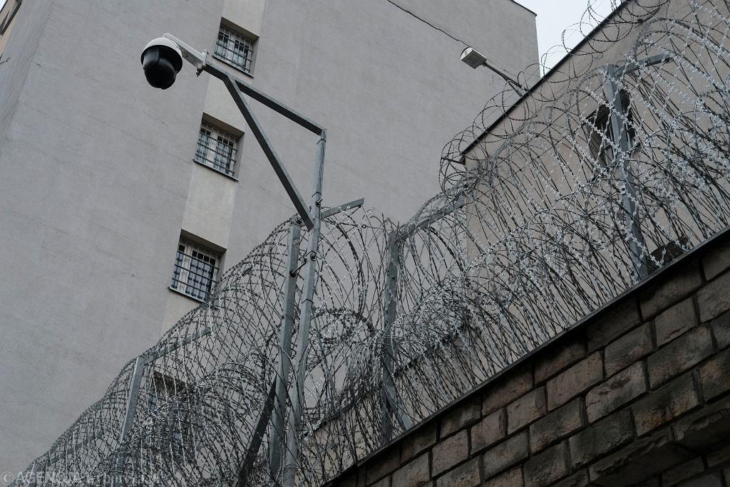 Koronawirus za kratami. Jak wygląda sytuacja zakażonych w polskich więzieniach?