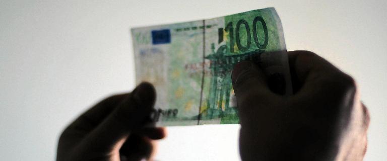 Jarosław Kaczyński straszy euro i powtarza mity. Jak jest naprawdę? Oto fakty