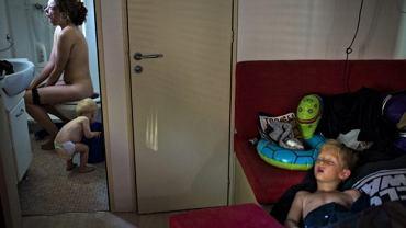 """Drugie miejsce w kategorii """"Daily Life Single"""" - Soren Bidstrup. Zdjęcie przedstawia rodzinę na wakacjach."""