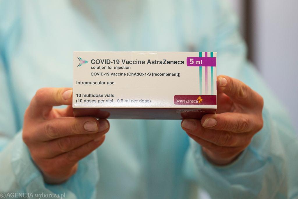 Koronawirus. Szczepionka firmy AstraZeneca.