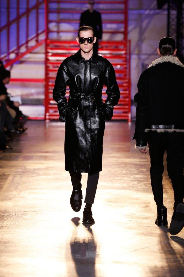 Paweł Bińczak w pokazie Cerruti 1881 Menswear FW 2014-15 Paris Fashion Week