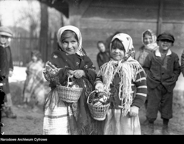Zdjęcie numer 0 w galerii - Jak świętowali Wielkanoc nasi pradziadowie [ARCHIWALNE ZDJĘCIA]