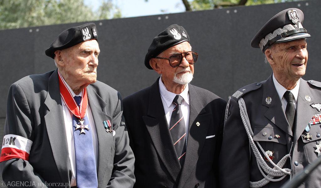 Witold Kiezuń, Leszek Żukowski, Zbigniew Ścibor - Rylski podczas obchodów 70. rocznicy wybuchu Powstania Warszawskiego .