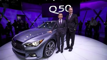 Prezes Infiniti Motor Company Johan de Nysschen i wiceprezes Shiro Nakamura podczas prezentacji Infiniti Q50