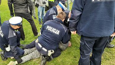 Mieszkańcy Bobrownik nie ufają firmie prowadzącej rekultywację nieczynnego składowiska odpadów. Blokowali ciężarówki, doszło nawet do aresztowań
