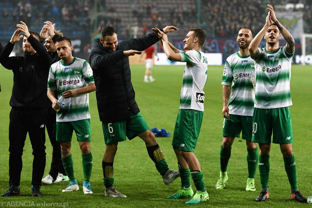 Piłkarze Lechii mieli po meczu w Krakowie powody do zadowolenia
