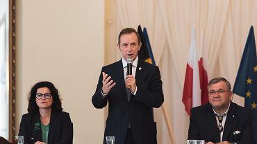 Marszałek Senatu Tomasz Grodzki na spotkaniu z samorządowcami w Kartuzach