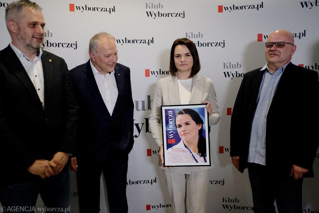 Swiatłana Cichanouska odbiera tytuł 'Człowieka Roku 2021' Gazety Wyborczej