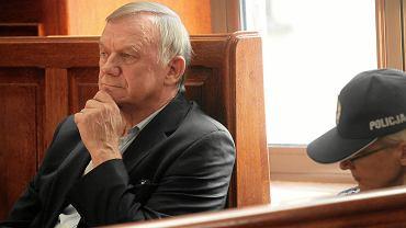 Władysław Serafin podczas rozprawy w sprawie wyłudzenia pożyczek ze SKOK-u Wołomin.