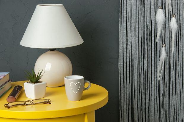 Lampa stołowa - jaką wybrać? Klasyczne modele nigdy nie wyjdą z mody