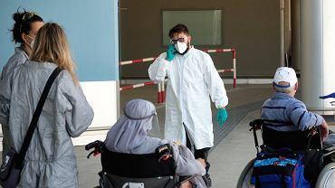 Kontrola pasażerów na lotnisku w Rzymie