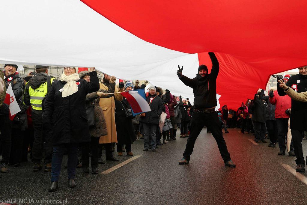 Marsz pod hasłem KOD Niepodległości w Warszawie