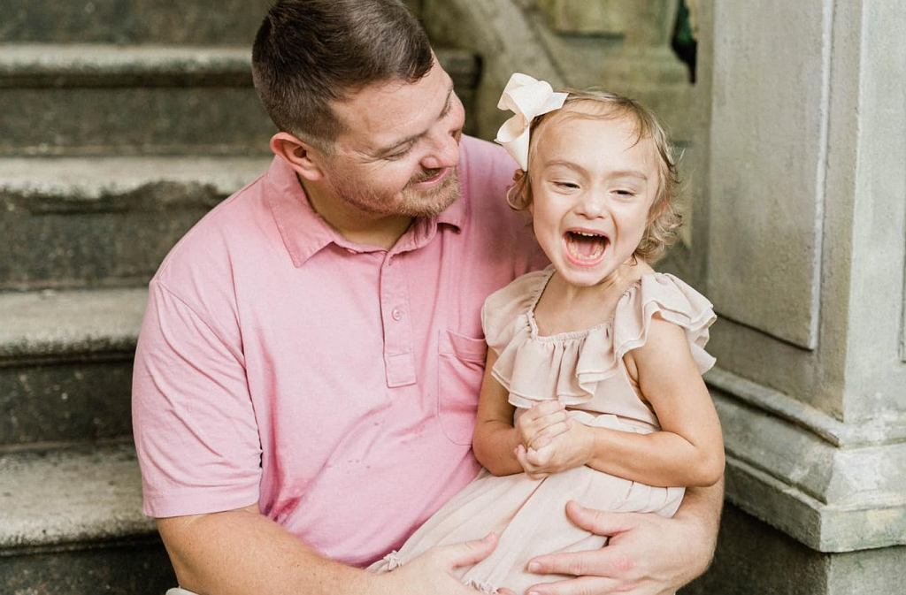 Ojciec oddał nerkę czteroletniej córeczce. Uratował dziewczynce życie
