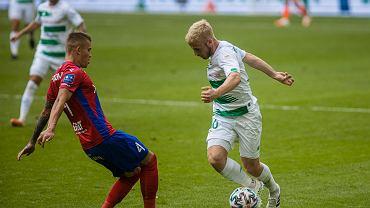 Lechia Gdańsk - Raków Częstochowa 1:3. Z prawej Tomasz Makowski