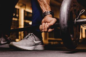 Trening kondycyjny - jaki wybrać dla siebie? Na siłowni, w domu czy na rowerze?