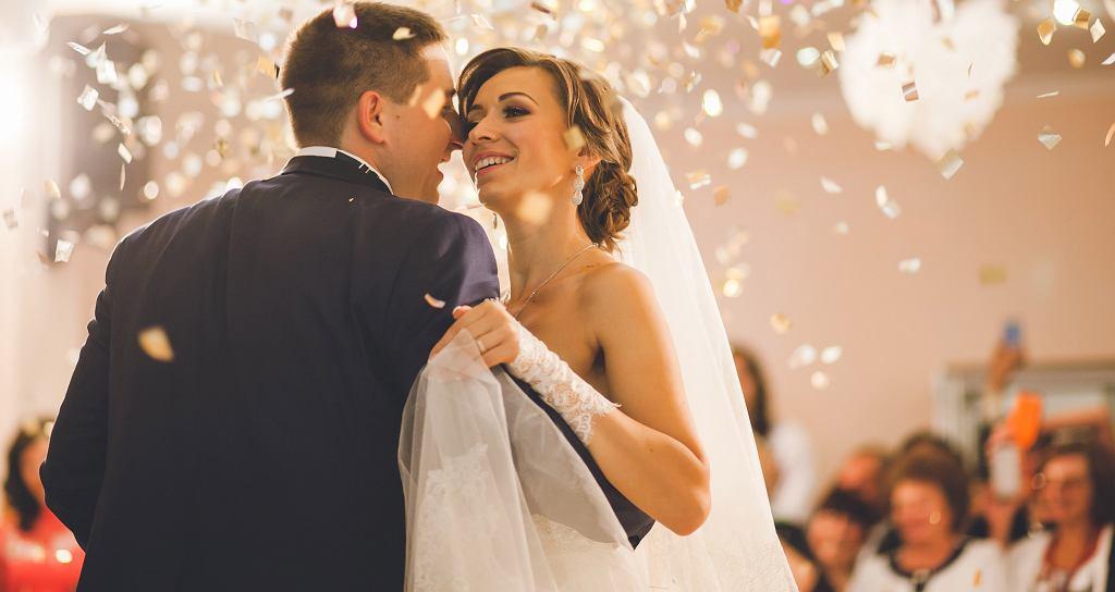 Coraz więcej par decyduje się na wesele bez dzieci. Jak powiedzieć o tym gościom? (zdjęcie ilustracyjne)