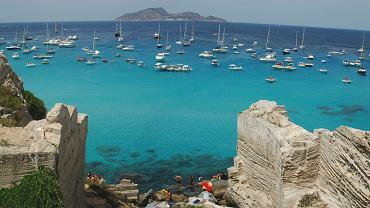 Cala Rossa, Korsyka plaże, Korsyka wakacje / Shutterstock