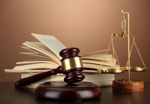 Za składanie fałszywych dokumentów grozi odpowiedzialność karna