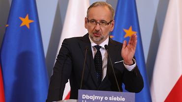 Minister zdrowia w rządzie PiS Adam Niedzielski podczas konferencji prasowej dot. pandemii koronawirusa. Warszawa, 8 października 2020