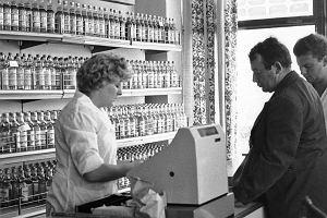 To była najważniejsza godzina w Polsce lat 80. Dziś 38. rocznica zakazu sprzedaży wódki przed 13