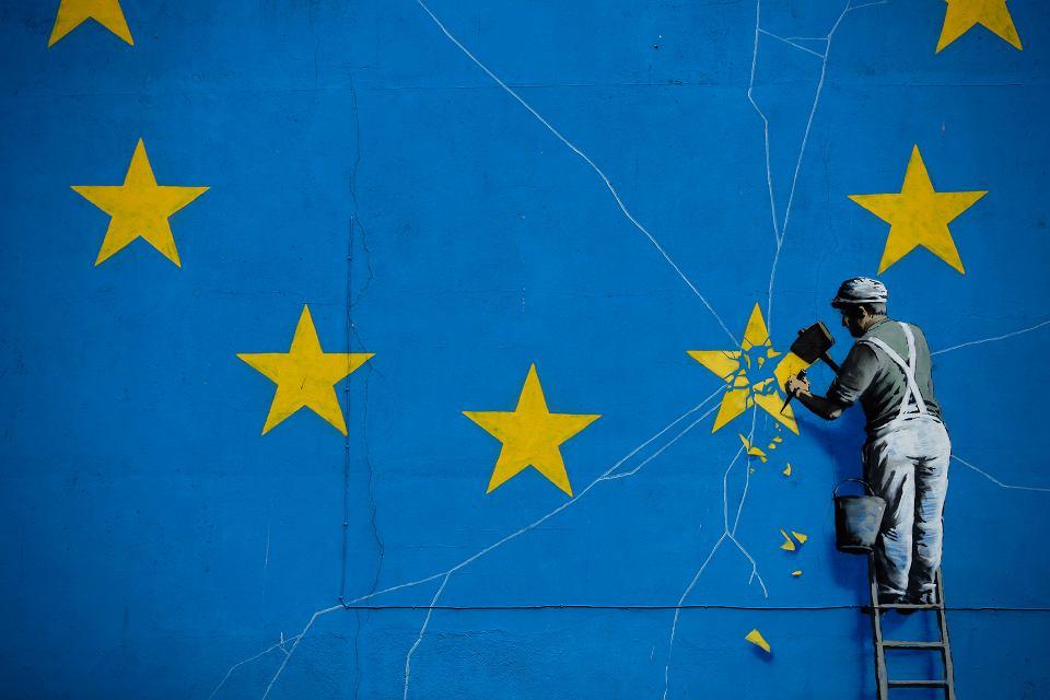 Część muralu Banksy'ego na temat brexitu, który namalował on w Dover