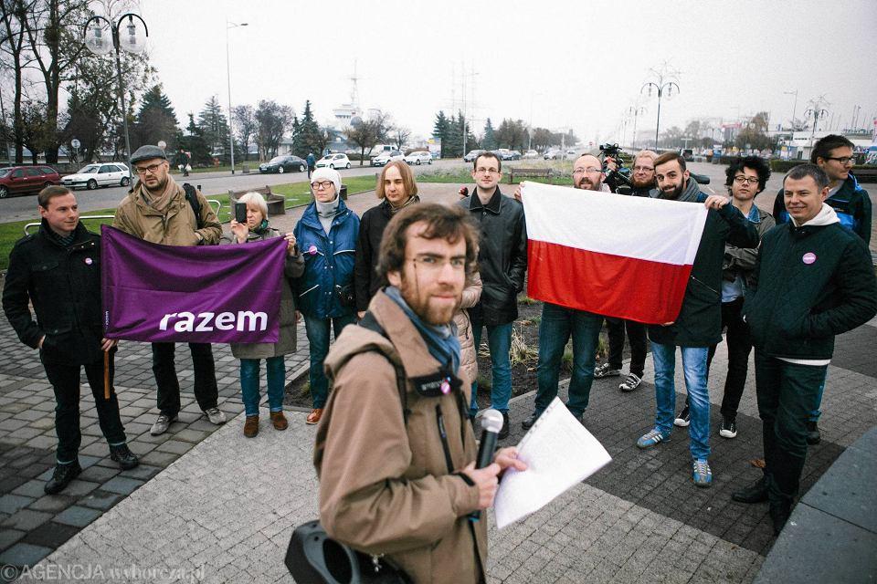 565ab693d15b99 Inne oblicze odzyskania niepodległości: partia Razem przypomina rząd  Daszyńskiego