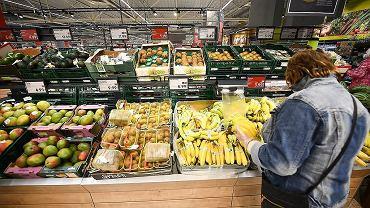 Zakaz handlu do zaostrzenia, Sejm odrzucił większość poprawek Senatu. Jakie kary dla sklepów?