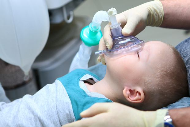 Chirurdzy wyciągnęli kulki magnesowe z brzucha dziecka. Teraz ostrzegają rodziców