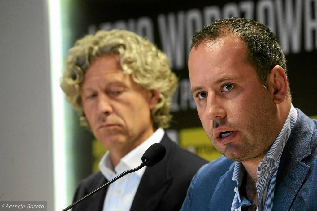 Współwłaściciele Legii Bogusław Leśnodorski (z prawej) i Dariusz Mioduski