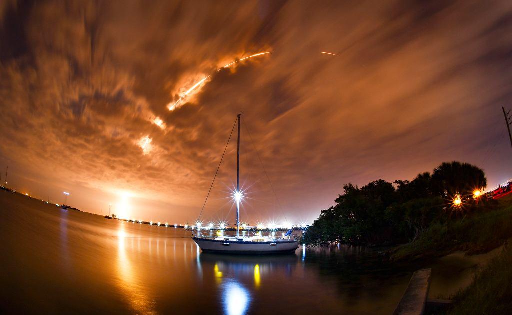 Start rakiety SpaceX - zdjęcia poglądowe