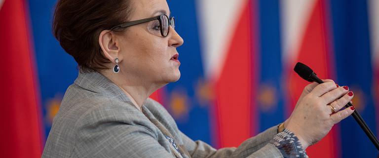 Minister Zalewska zachwala zmiany w szkolnictwie. ZNP: ?chce dać to, co sama zabrała?