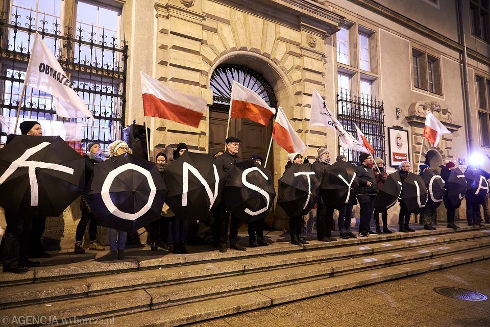 Manifestacja ' W obronie sądów ', Gdańsk, 18 grudnia 2017.