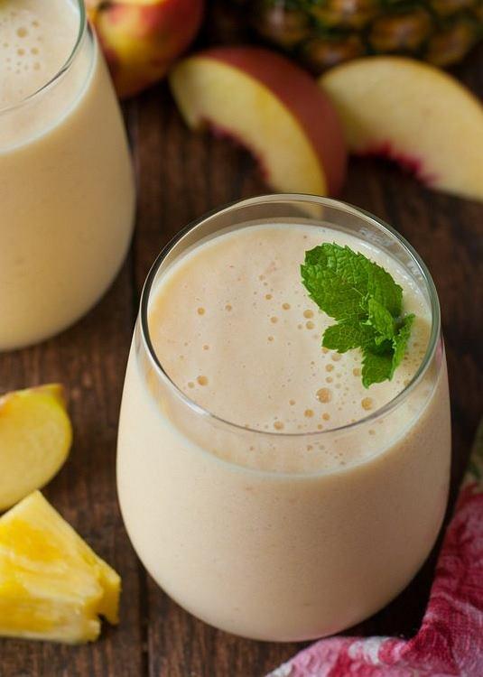 Ananas zawiera bromelainę, która przyspiesza przemianę materii