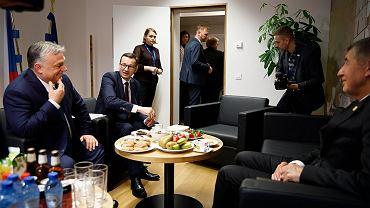 Mateusz Morawiecki z Viktorem Orbanem i Andrejem Babiszem